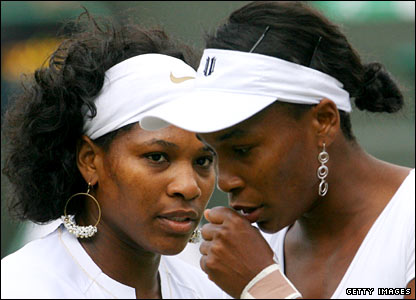 Serena Williams (left) and Venus Williams (right)