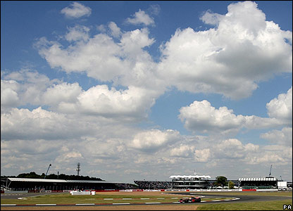 Hamilton posts the third fastest time of the second session