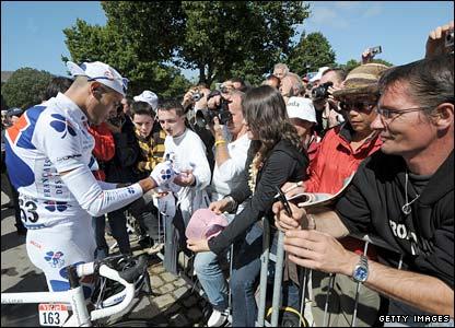 Remy Di Gregorio signs autographs