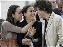 Ingrid Betancourt con sus dos hijos, AP