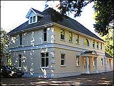 Julia's House