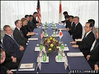 لقاء بين بوش وفوكودا