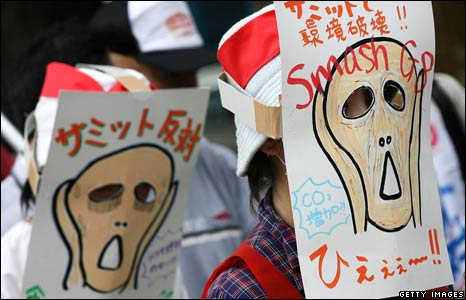 Masks worn at anti-G8 protest