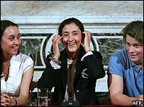 Ingrid Betancourt con sus hijos.