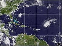Bertha en el Océano Atlántico (centro derecha) el 7 de julio