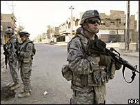 قوات أمريكية في أحد أحياء بغداد