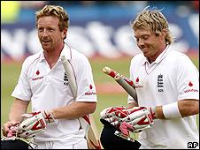 Paul Collingwood and Ian Bell