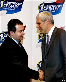 President Boris Tadic (R) and Socialist Party leader Ivica Dacic in Belgrade on 7 July 2008