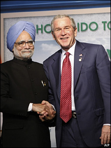 George W Bush and Manmohan Singh