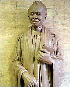 Statue of Canon Ezra
