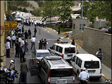 Aftermath of the attack at the US consulate in Istanbul (9 July 2008)