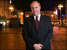 Dr Efraim Zuroff
