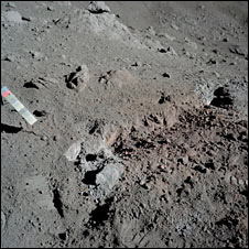 Orange soil on the Moon (Nasa)