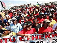 Cosatu members marching in Durban, 9 July 2008