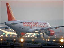 An Easyjet plane prepares for a take-off at London's Gatwick airport. Photo: July 2008