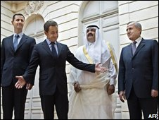 French President Nicolas Sarkozy (C) welcomes his counterparts Basha Assad (L), Michel Suleiman (R) and Qatari Emir Sheik Hamad Bin Khalifa Al Thani ( second R) to the Elysee Palace