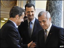 French President Nicolas Sarkozy with Lebanese president Michel Sleimane (R) and Syrian President Bachar Al Assad (C) at the Elysee Palace in Paris (12/07/2008)