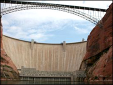 Glen Canyon dam (Photo: Kevin Bishop)