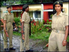 Women police deployed to guard Dhoni