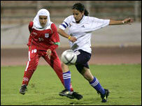 Comentarios y Noticias del Fútbol Femenino - Página 3 _44833735_capitana2