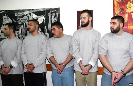 Lebanese prisoners wait to be released