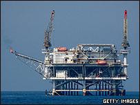 Plataforma de extracción de petróleo frente a las costas de California