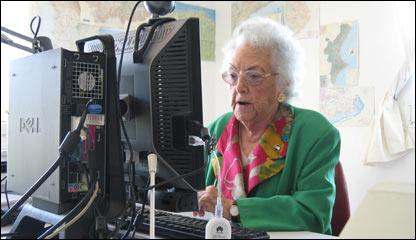 Mar�a Amelia L�pez, bloggera a los 96 a�os. Foto de J.I. Gil Rosendo