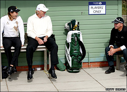 Camilo Villegas, Greg Norman and Rocco Mediate relax as they wait for a backlog to clear at the 10th