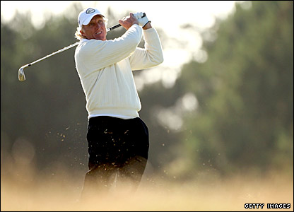 Greg Norman shows his experience as he handles the conditions better than his competitors