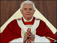Pope Benedict XVI conducts the final mass of his Australian visit