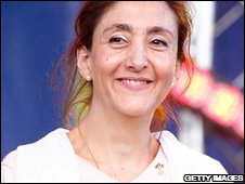 Ingrid Betancourt addresses a peace rally in Paris