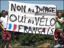 Protesters at Tour de France (AFP)