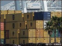Contenedores en puerto de EE.UU.