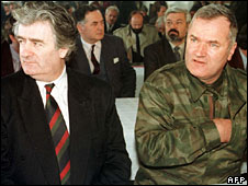 Radovan Karadzic (l) and Ratko Mladic (undated file image)