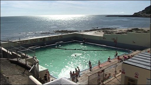 Bbc News Uk Northern Ireland Newcastle Rockpool Open Again