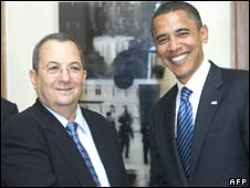 Barack Obama (R) and Israeli Defence Minister Ehud Barak in Jerusalem on 23 July 2008