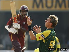 Shiv Chanderpaul and Brett Lee during the 2006 final