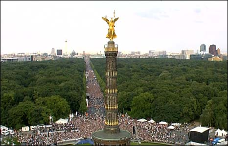 Aerial view of crowds in Berlin