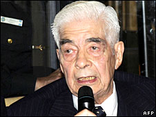 Luciano Benjamin Menendez in court in Cordoba, 24 July 2008