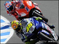 Casey Stoner (red) and Valentino Rossi (blue)