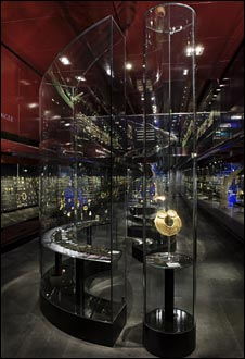 William and Judith Bollinger Jewellery Gallery, Imagenet photo