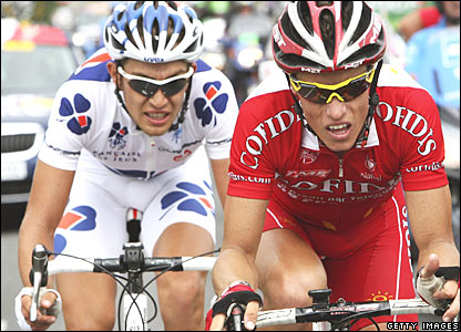 Cofidis' Sylvain Chavanel (right) and Francaise de Jeux's Jeremy Roy during the 19th stage