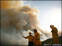 Bomberos cerca de Santa Barbara (3/7/2008)