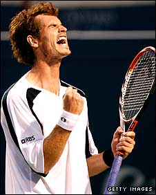 Andy Murray celebrates his victory over Novak Djokovic