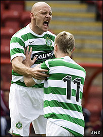 Thomas Gravesen and Derek Riordan