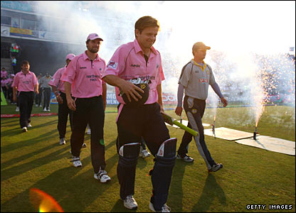 Middlesex captain Ed Joyce and Kent skipper Rob Key lead their teams out at the Rose Bowl