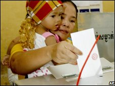 Cambodian voter at the polls