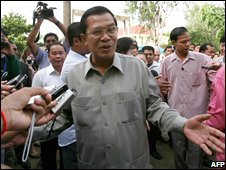Hun Sen arrives to vote