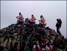 Extreme Cellists on top of Snowdon