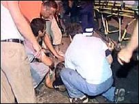 موقع الانفجار نقلا عن صور تلفزيونية 27-07-2008